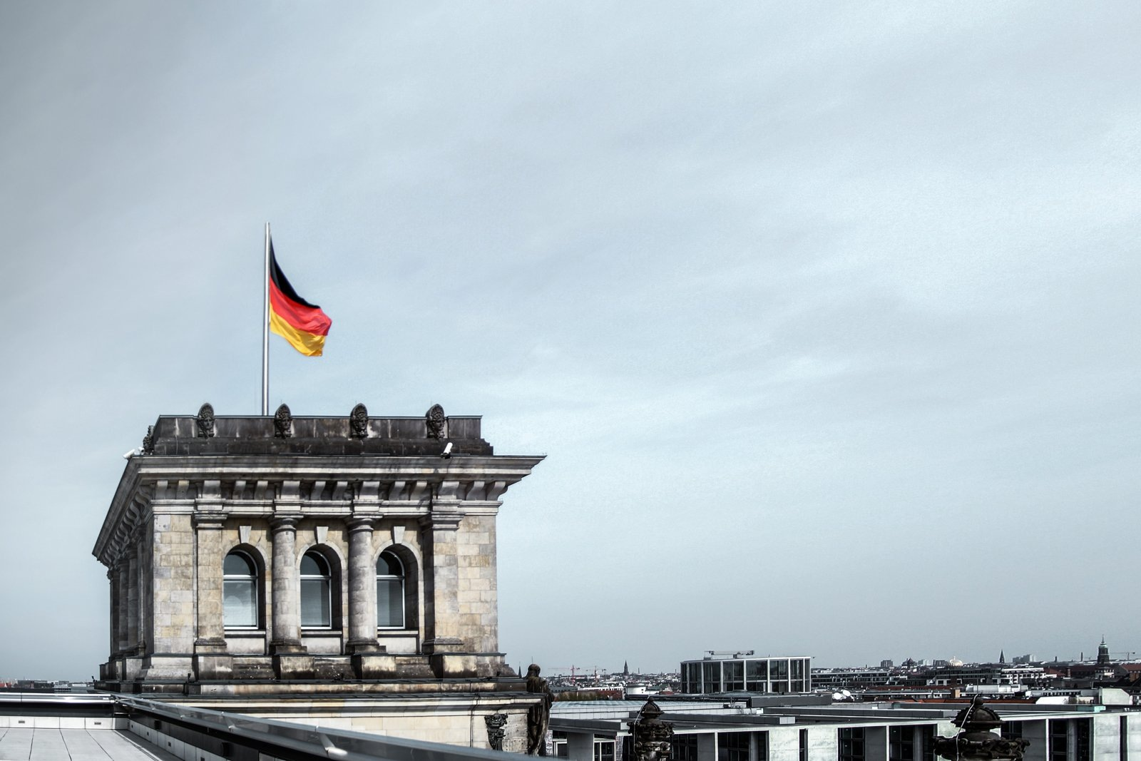 Interview with Sebastian: German flag over the Bundestag